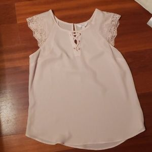 NWOT Blush lace front blouse with lace cap sleeves